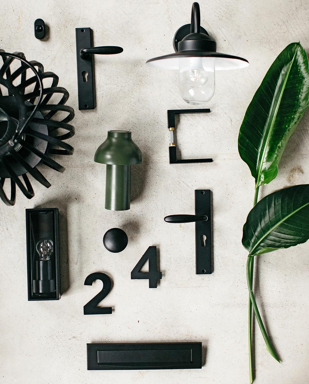 vtwonen tuin special 1 2020 | buitenverlichting en voordeur accessoires trendkleur zwart