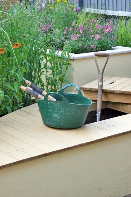Kleine achtertuin - Opbergtuin