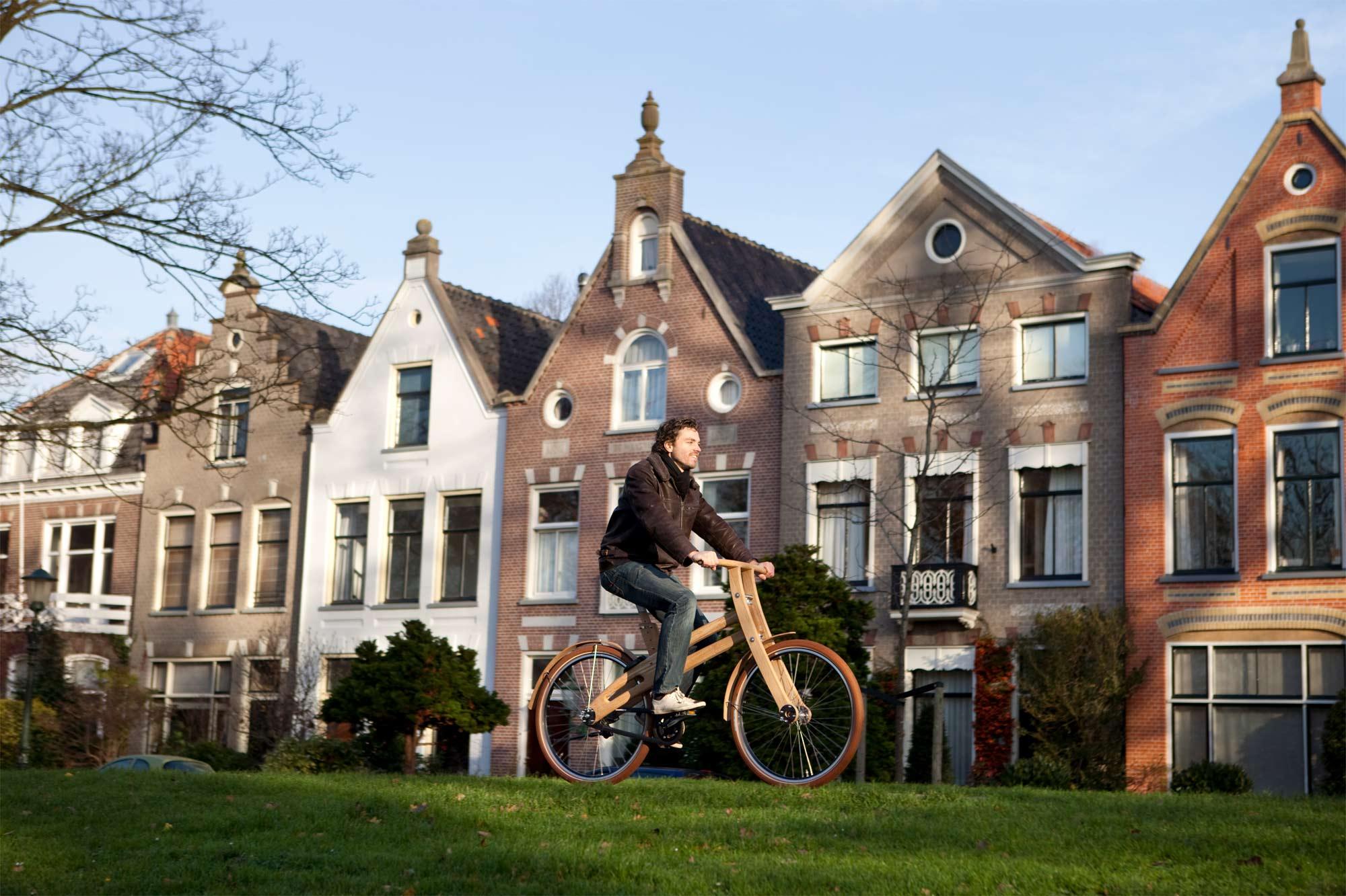 elektrische houten fiets