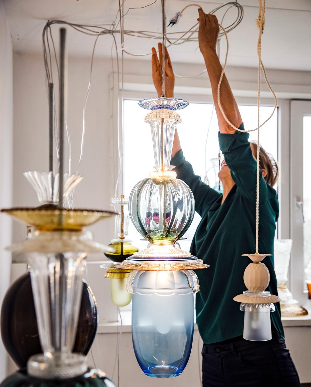 hangende glazen lampen