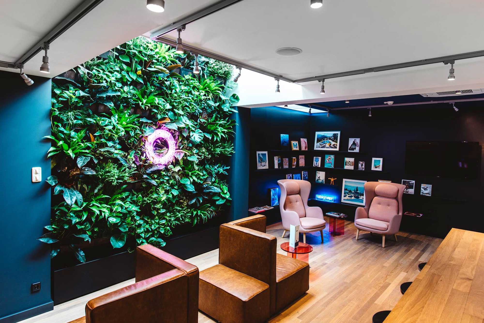 dutch hotel hangout hotspot