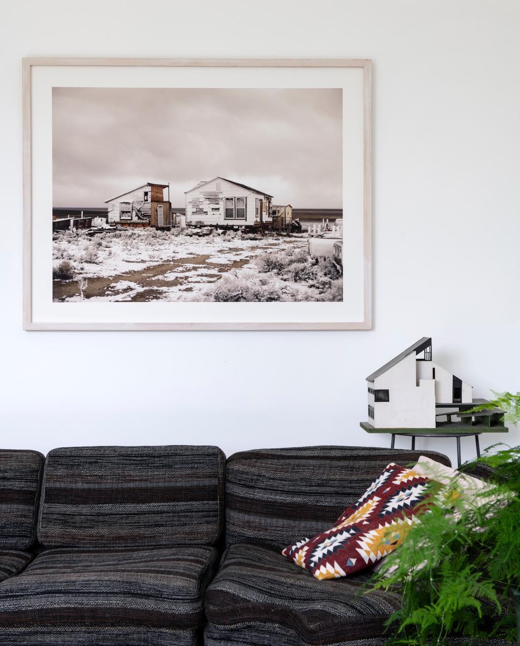 vtwonen binnenkijken 03-2020 | binnenkijken Amsterdam woonkamer met grijs gestreepte bank