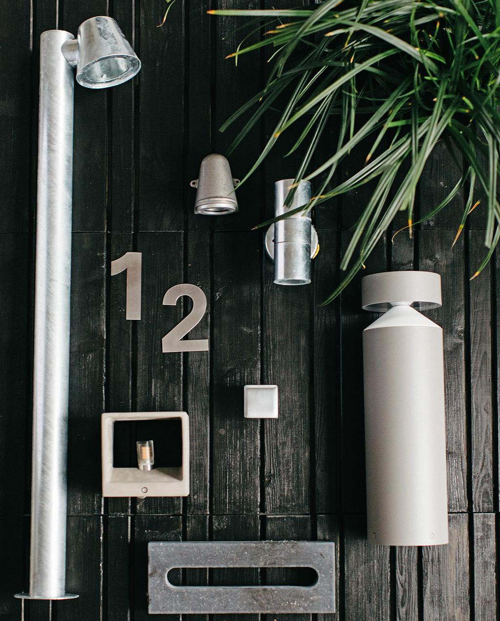 vtwonen tuin special 1 2020 | buitenverlichting en voordeur accessoires zilverkleurig