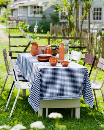 geruit tafelkleed tuin