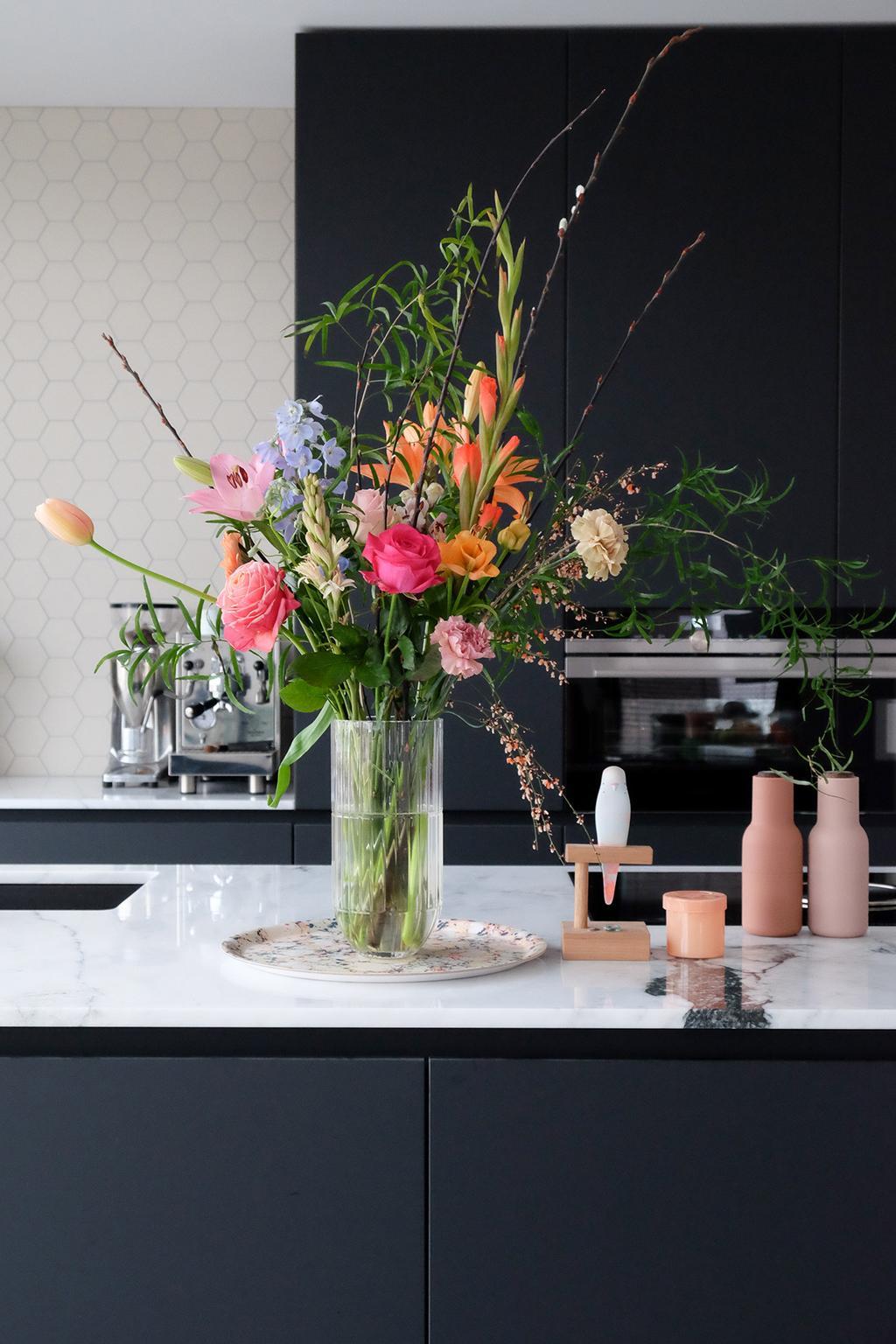 vtwonen blog PRCHTG designvazen vol kleur Hay colour vaas