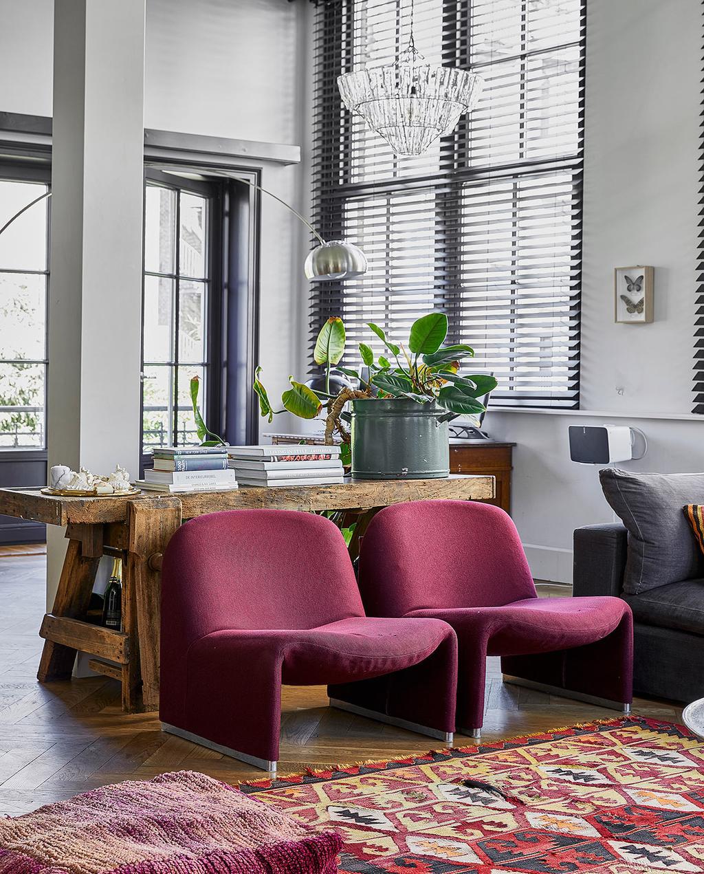 vtwonen 02-2021 | vintage stoelen en vloerkleed