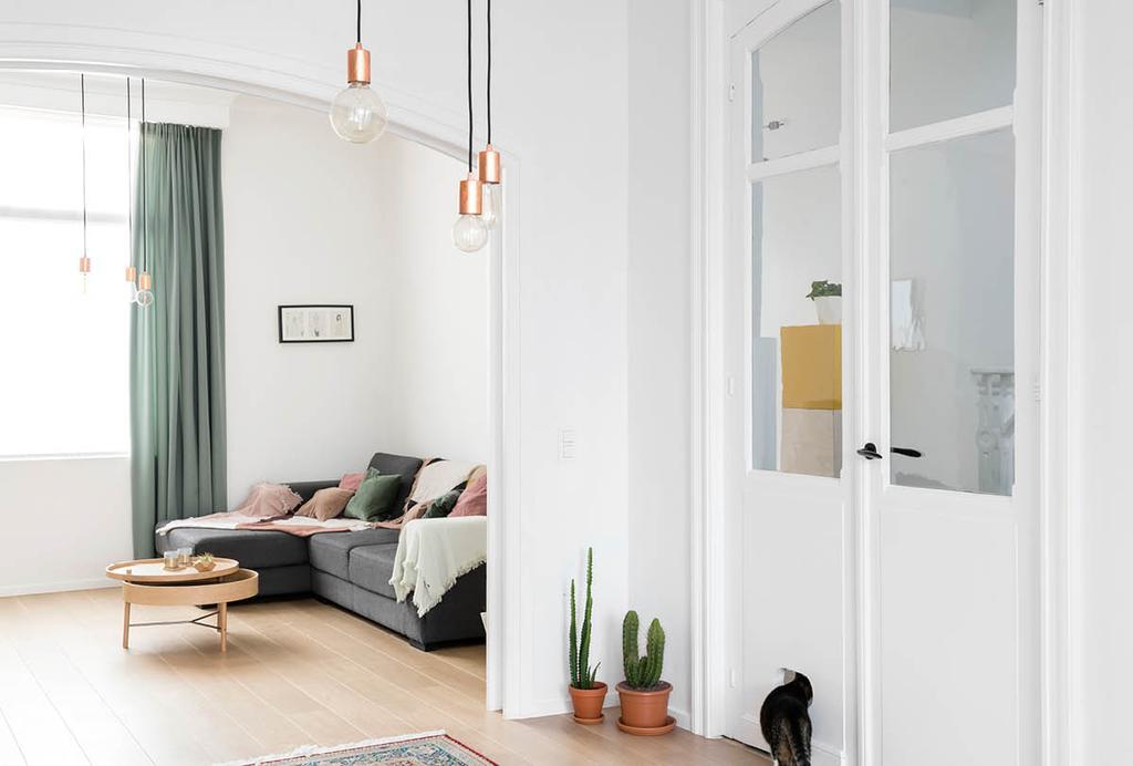 Lichte Scandinavische woonkamer