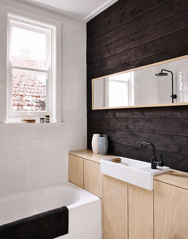badkamer hout wit donker