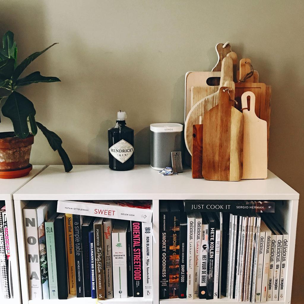 Kookboeken zijn favorieten van Stefanie Zegwaard.