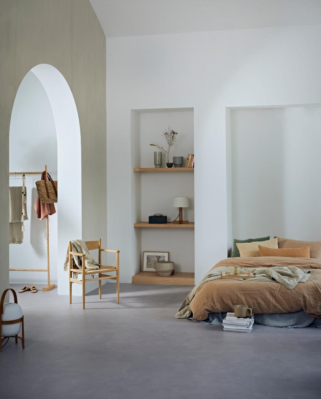vtwonen collectie 07-2020 novilon slaapkamer met bed en roestbruin dekbed
