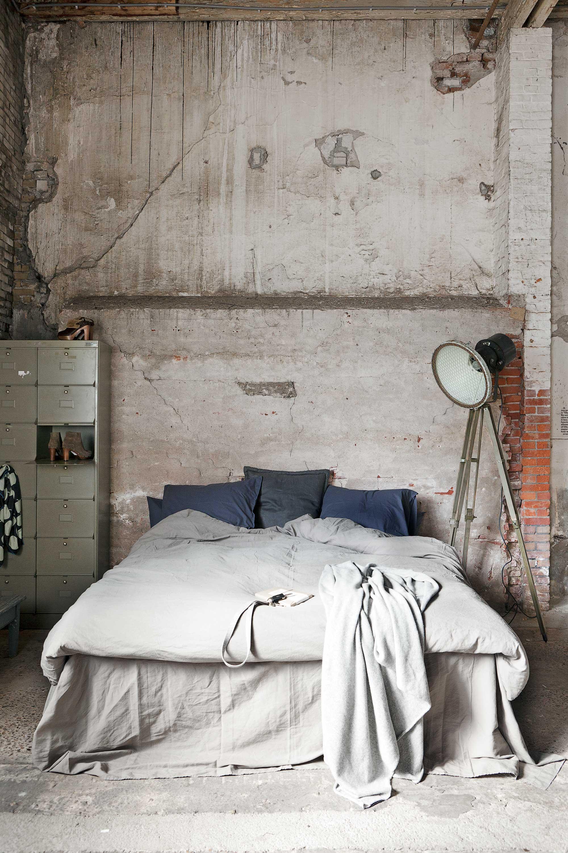 chambre grise briques béton