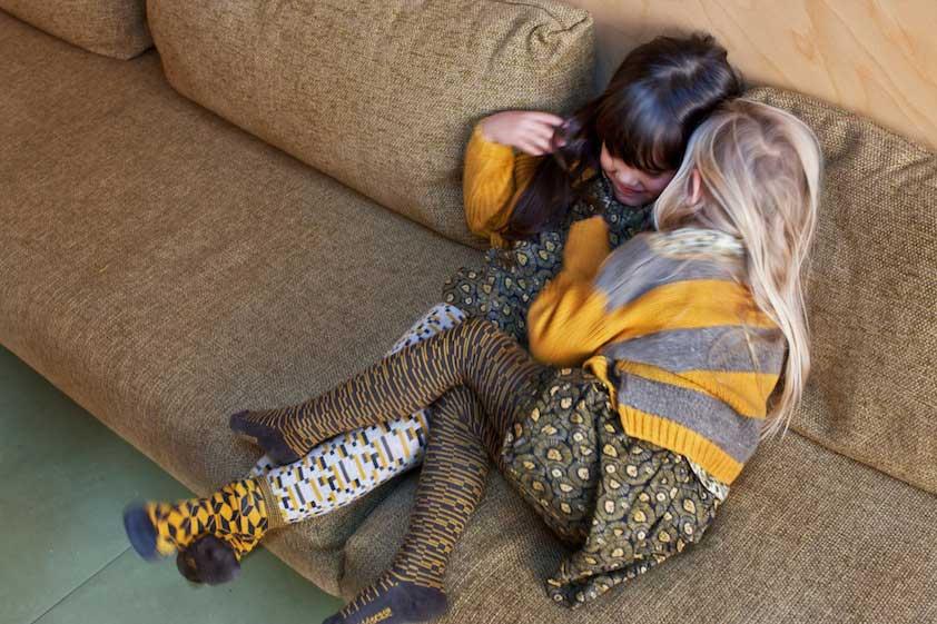 duurzame-kinderkleding-nederland-kidscase-meisjes-oker