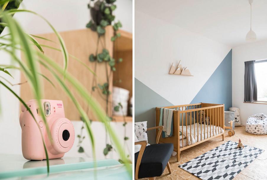 Appareil photo et chambre bebe bleu et blanc