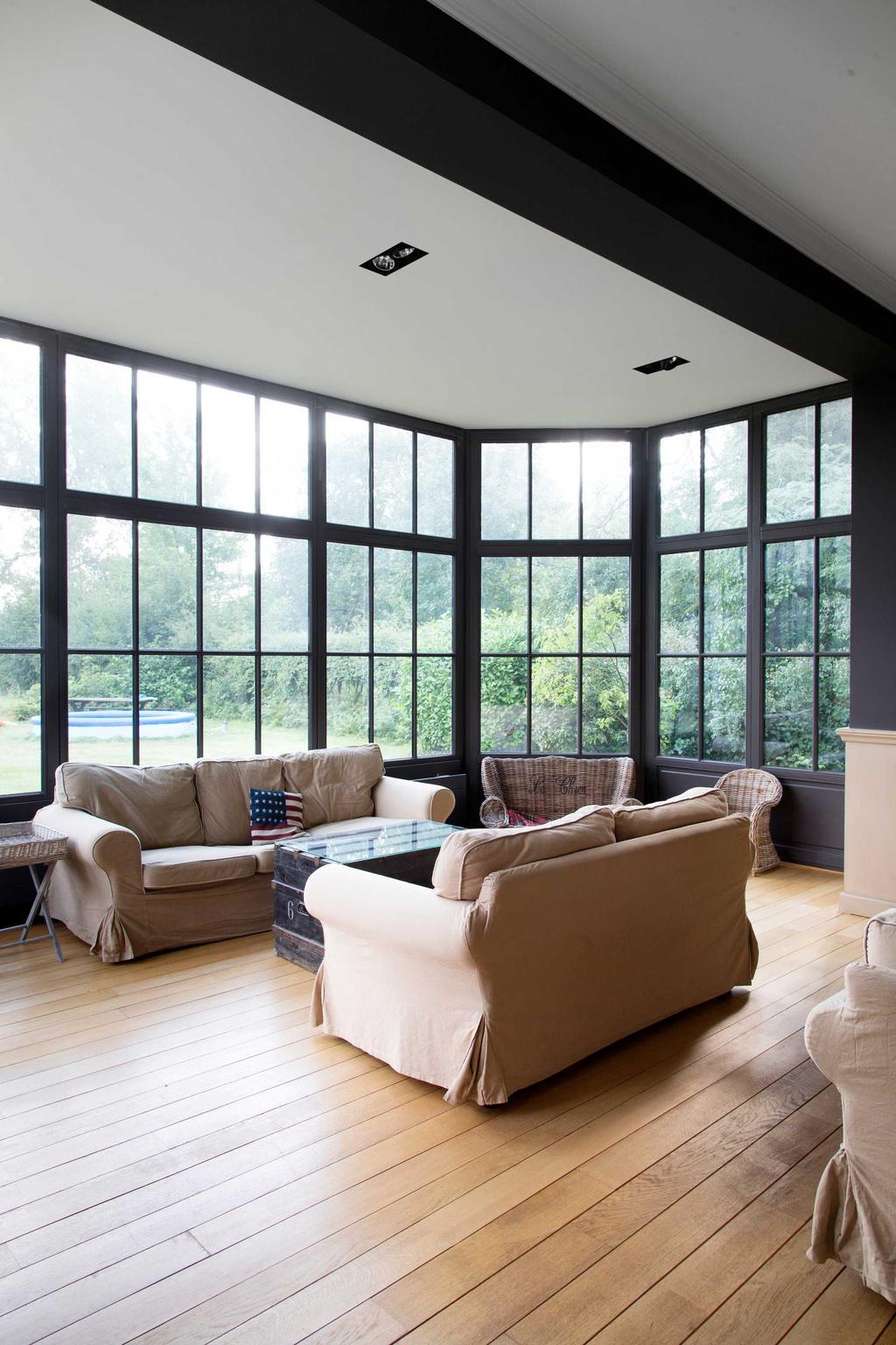 baie vitree beige noire