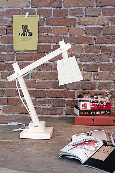 Muuto houten lamp