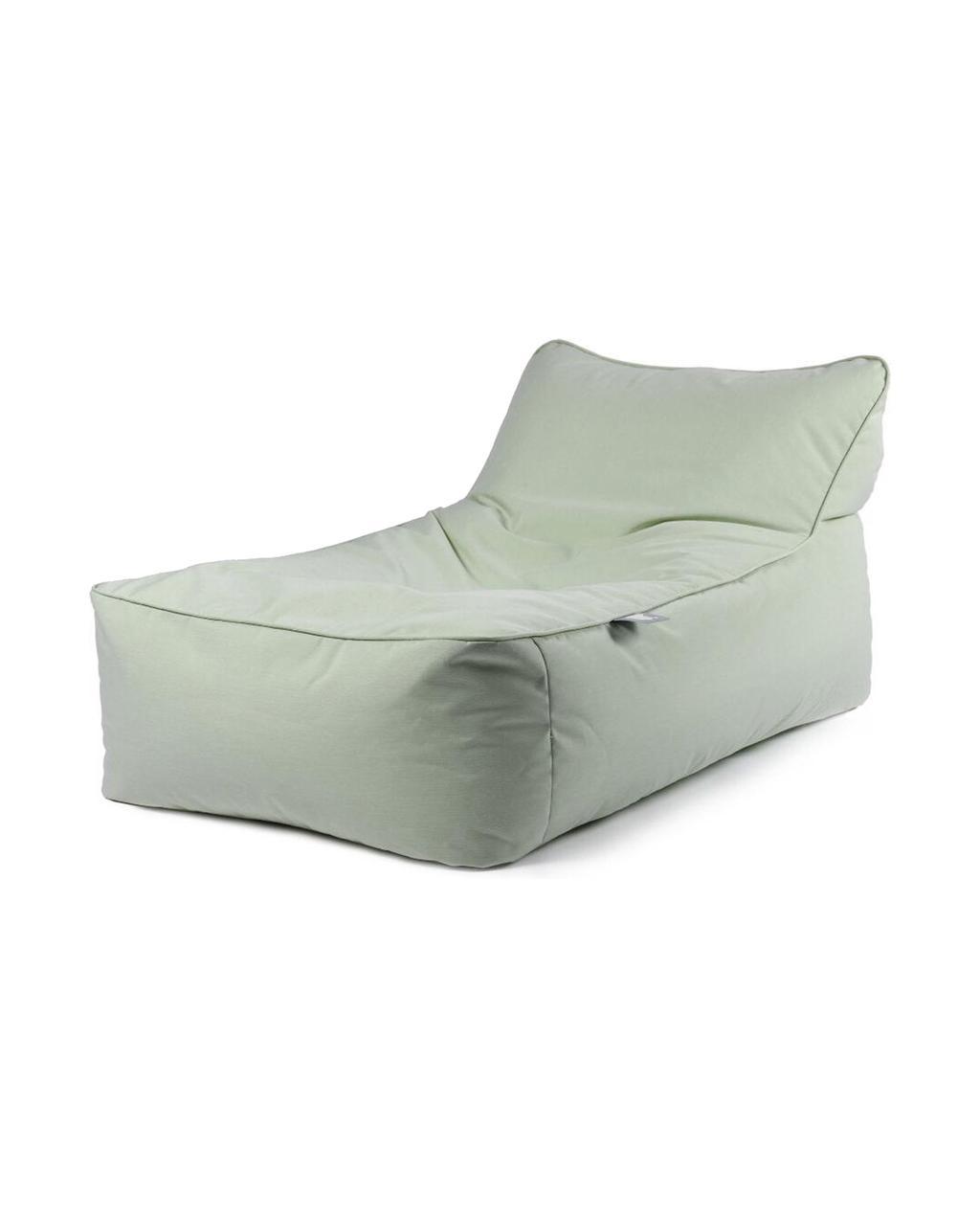 vtwonen juli 2021 | Loungebed met een mint kleur