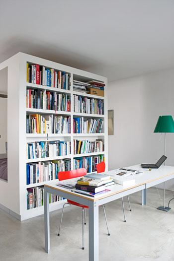 zwevende boekenkast