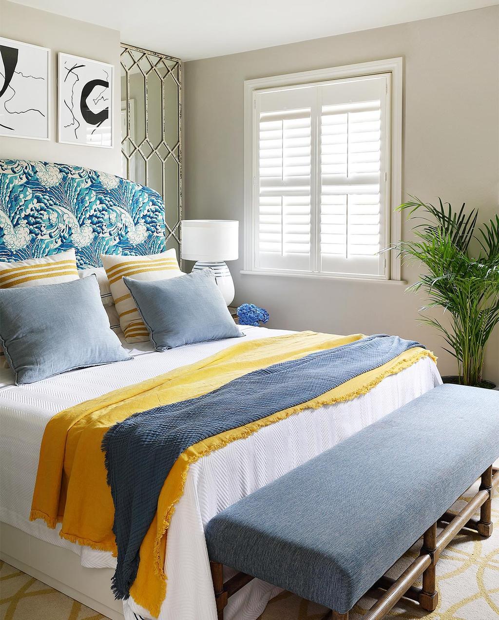 vtwonen casas especiais de verão 07-2021 |  quarto com cama azul e amarela