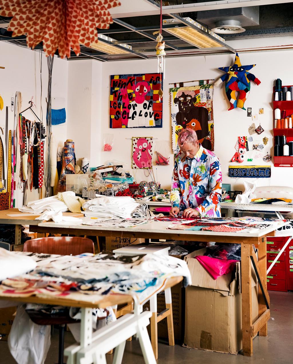 vtwonen 7-2019 | Ambacht Bas Kosters atelier aan het werk
