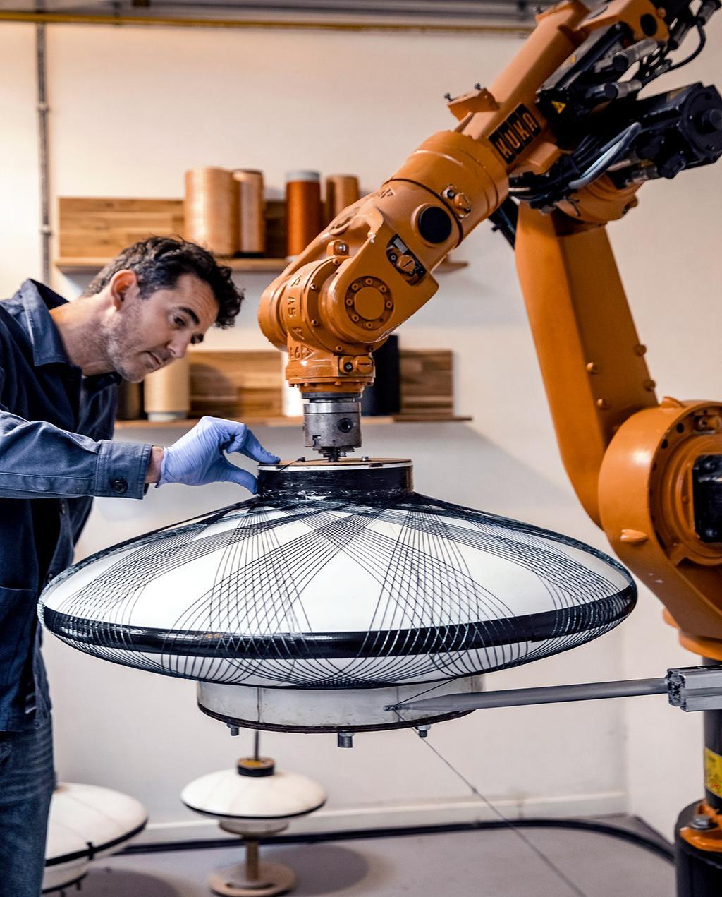 vtwonen 01-2021   machine bezig met fiber Pattern lamp
