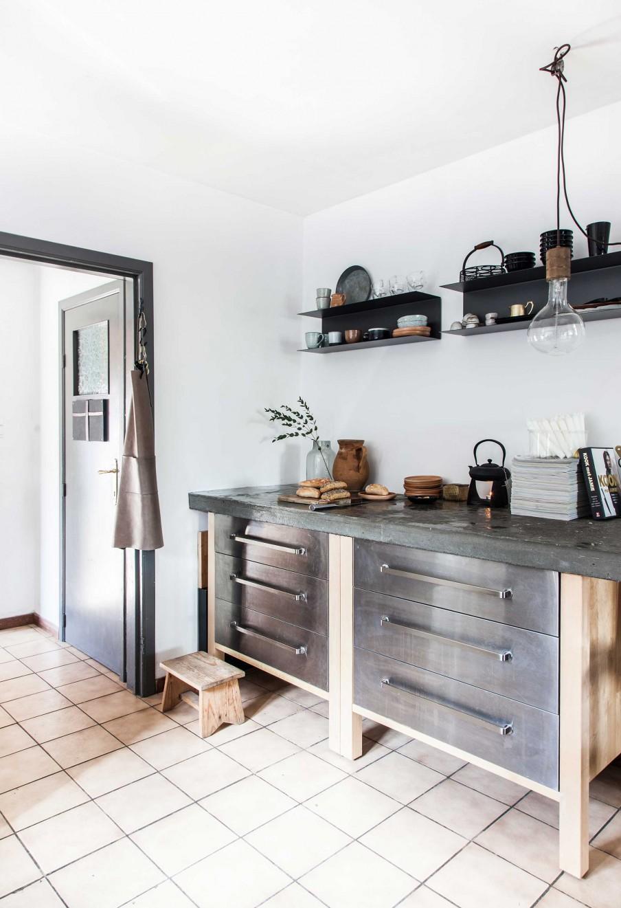 meubles cuisine métal et bois