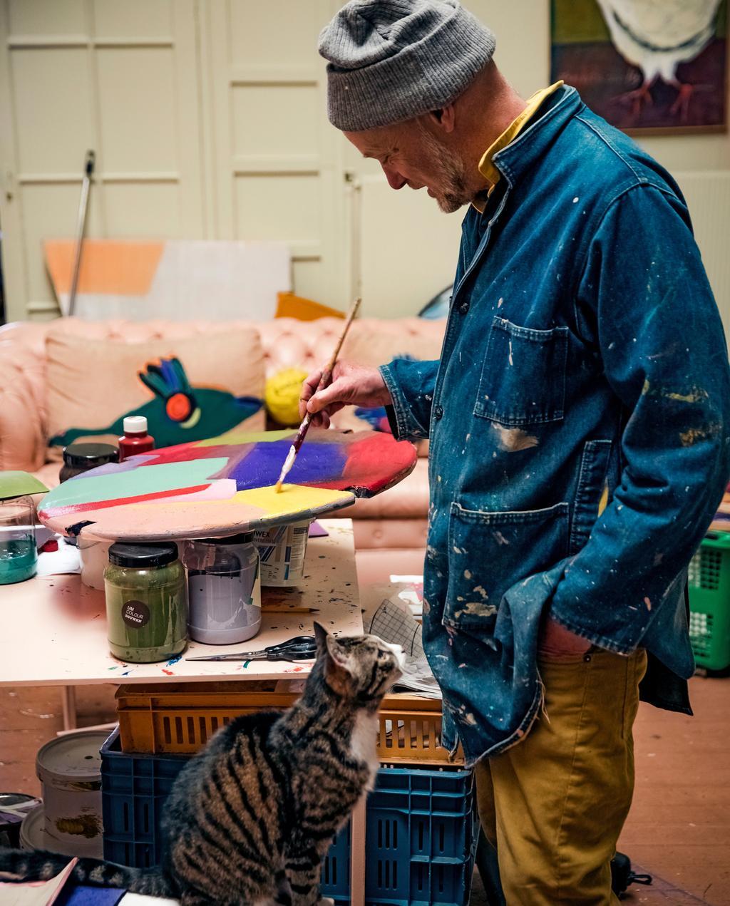 vtwonen 10-2019 | Ambacht Frank atelier palet met kat