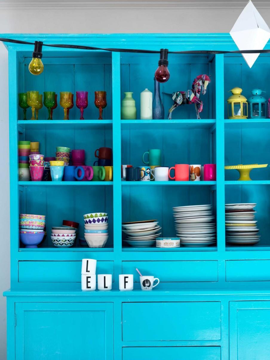 armoire bleue vaisselle