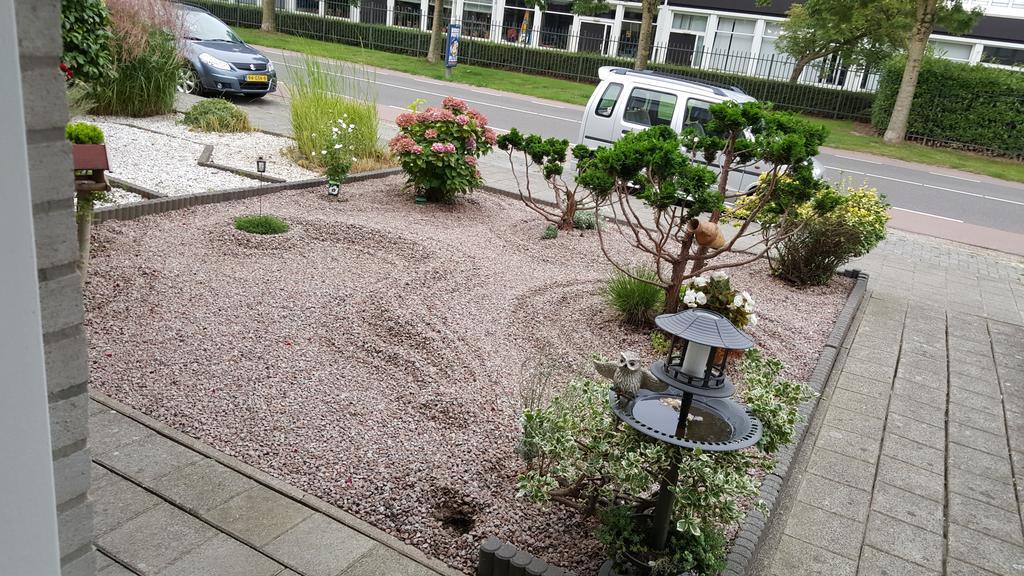 jannet-s-voor-en-achtertuin