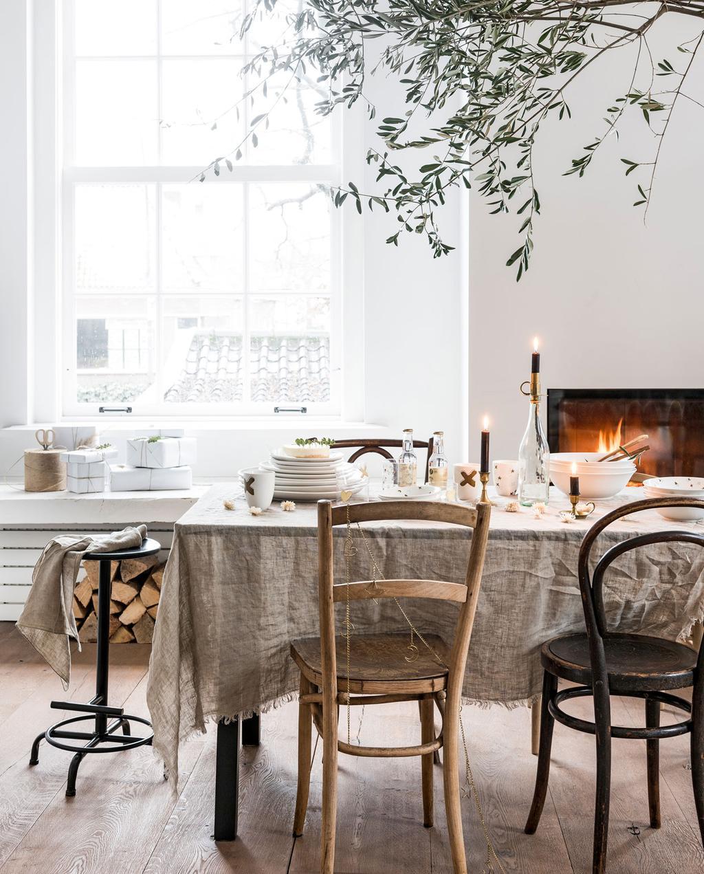 vtwonen 12-2019 | vtwonen feestcollectie gedekte tafel kerst tafel
