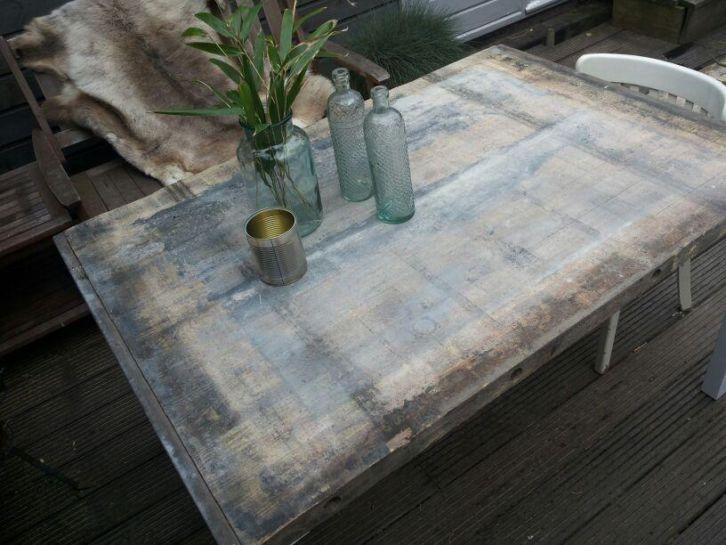 tafel van gebruikt hout