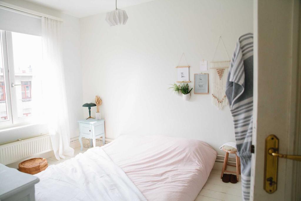 cloclo slaapkamer met een roos dekbed van kalani