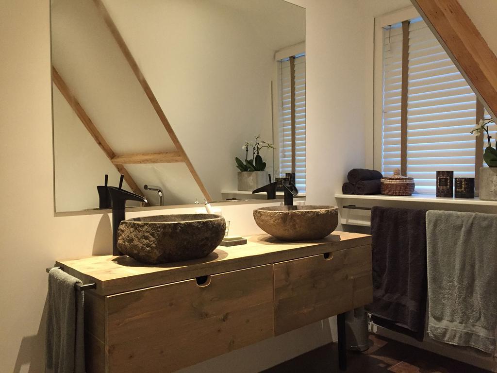 Badkamer op zolder - Teakea - vtwonen