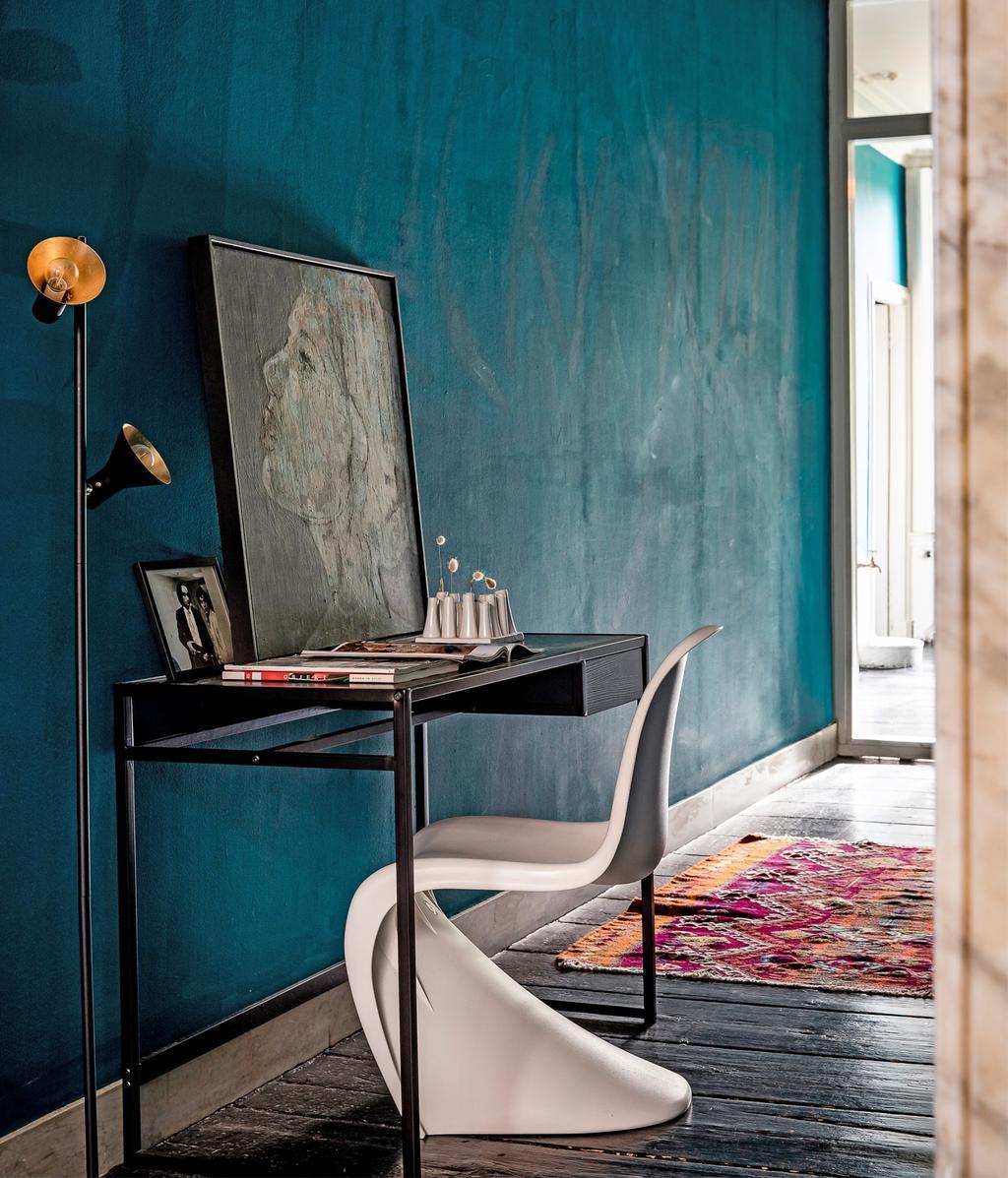Bureau | blauwe muur | vtwonen 01-2021