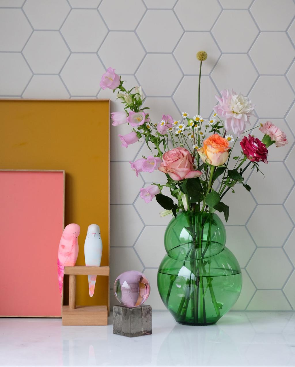 vtwonen | blog PRCHTG swedisch ninja oh my groen vaas met bloemen