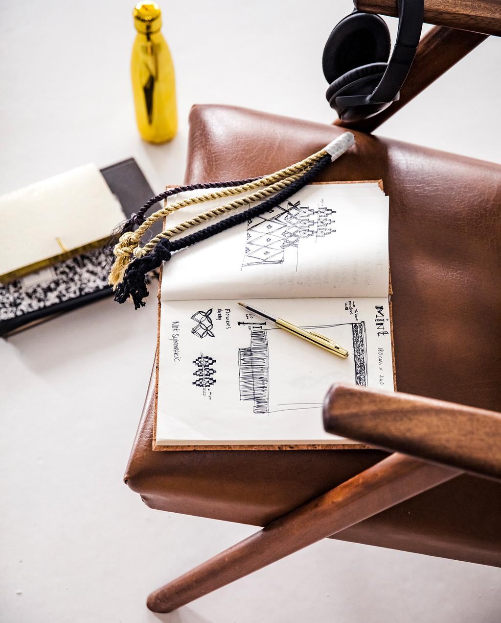 vtwonen 13-2019 | Ambacht Milla bruin lederen stoel ontwerp schets
