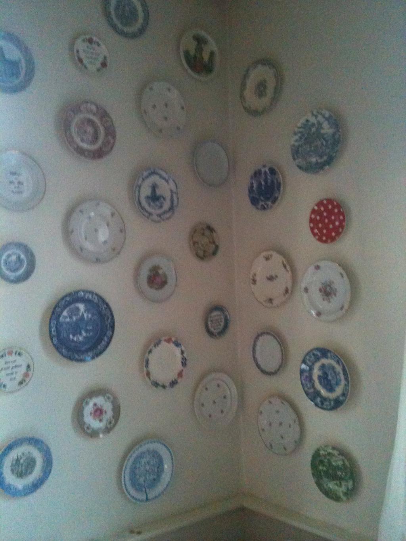 Wand met bordjes