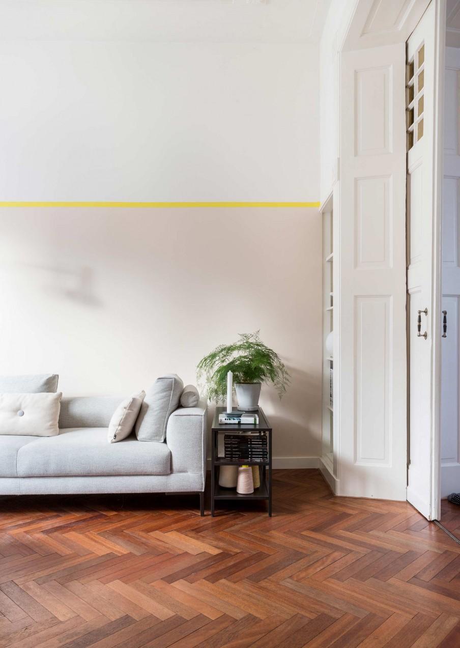 coin salon mur bande jaune