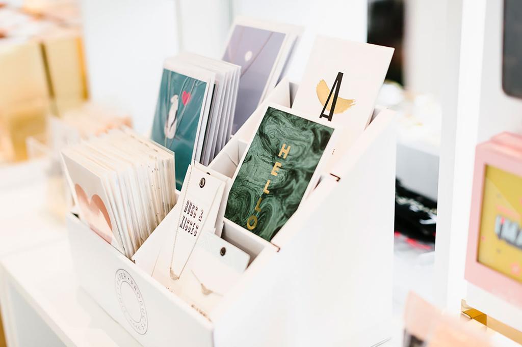 Postkaartjes bij Futur conceptstore te Ekeren