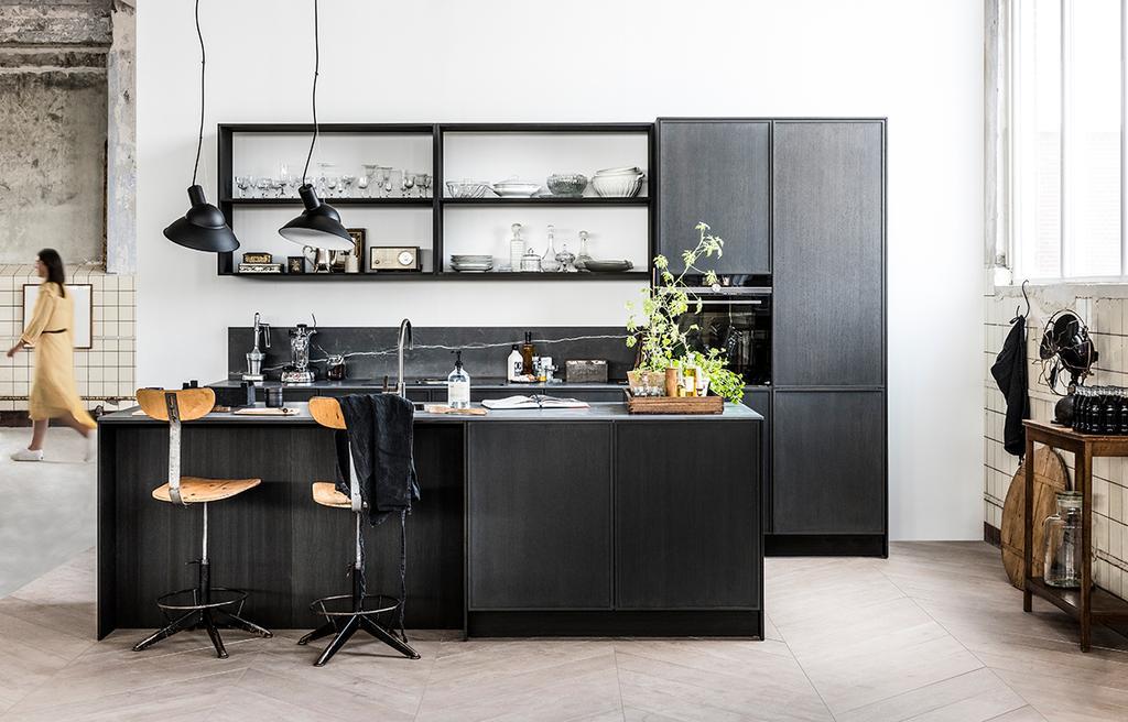 Zien! De nieuwe vtwonen keukens | Black | vtwonen collectie by Mandemakers Keukens