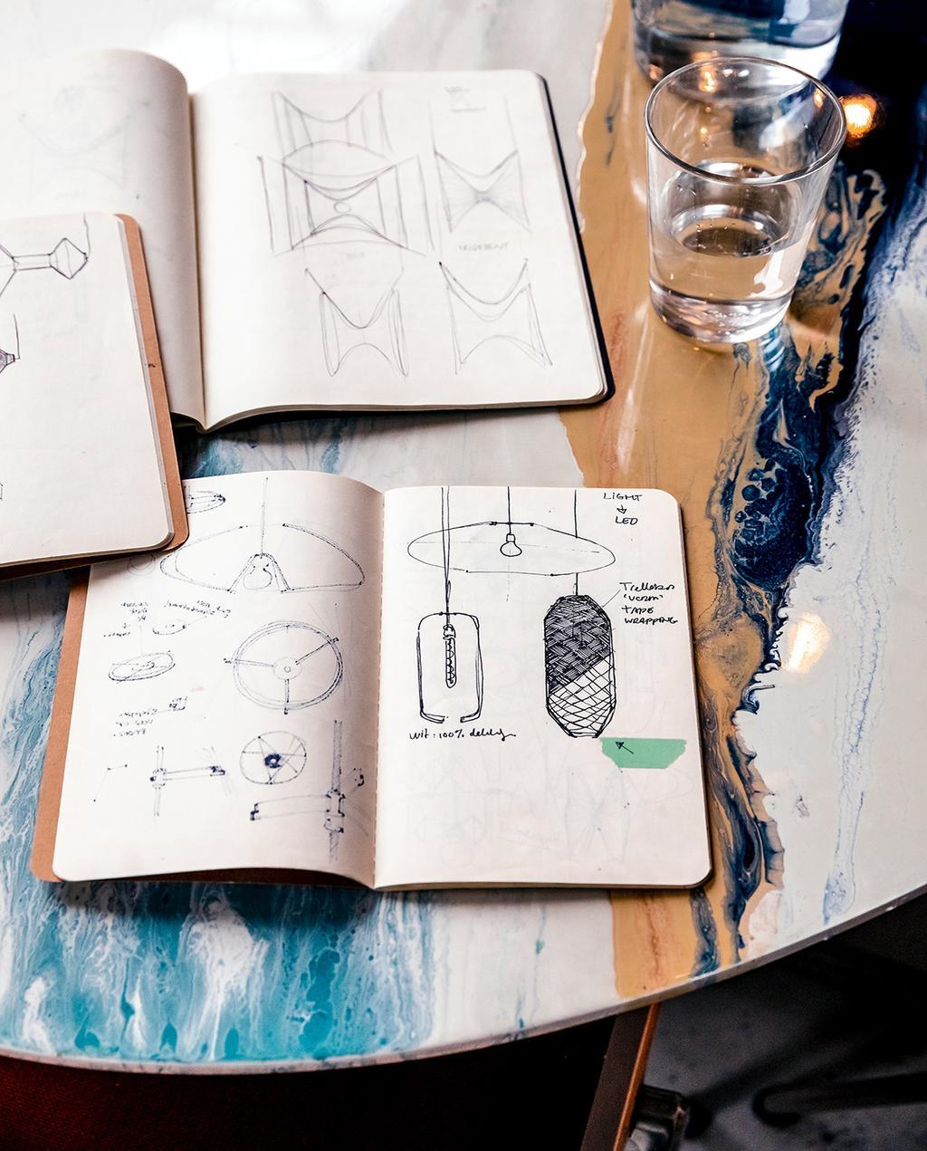 vtwonen 01-2021   schetsboek met tekeningen van lamp