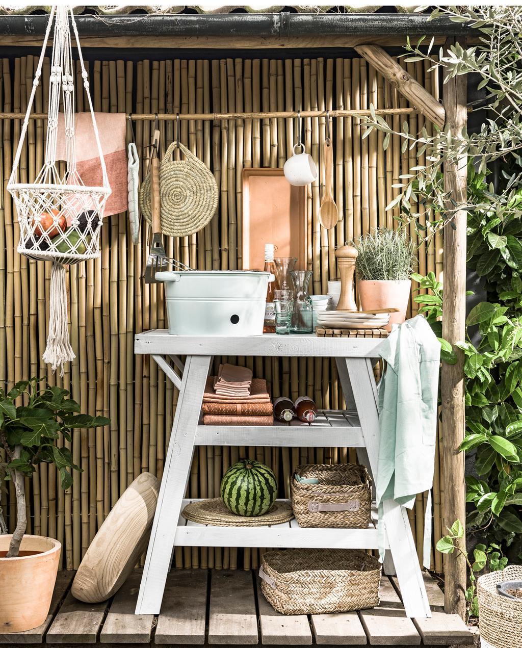 vtwonen 07-2016 | zomerzoet vakantie in eigen tuin styling  / Maak de ideale buitenkeuken met deze 3 DIY's | vtwonen