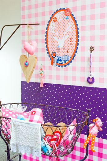 roze meisjeskamer behang
