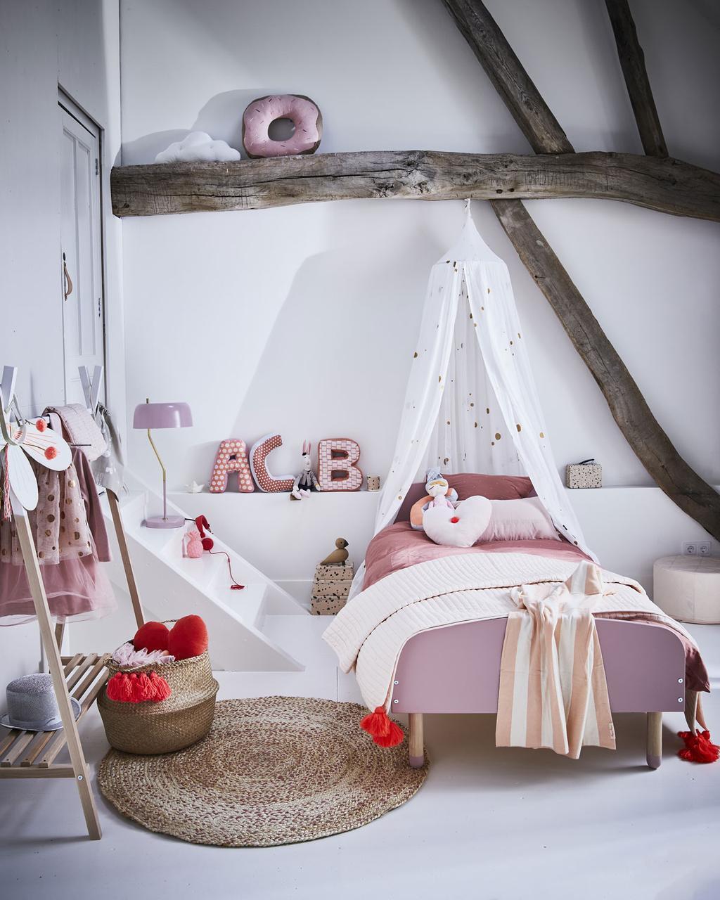 Een roze meisjeskamer uit het vtwonenboekje