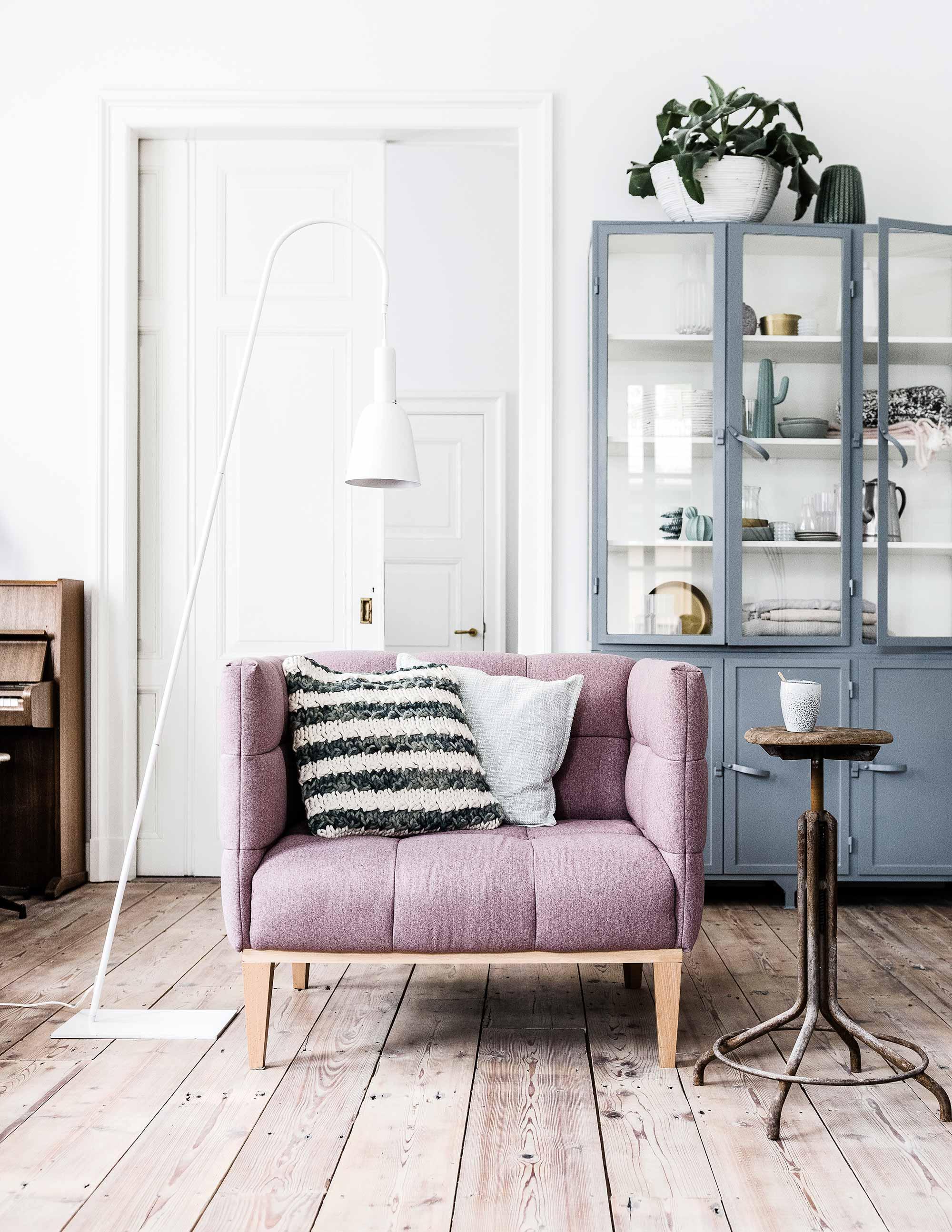 vtwonen zithoek roze fauteuil