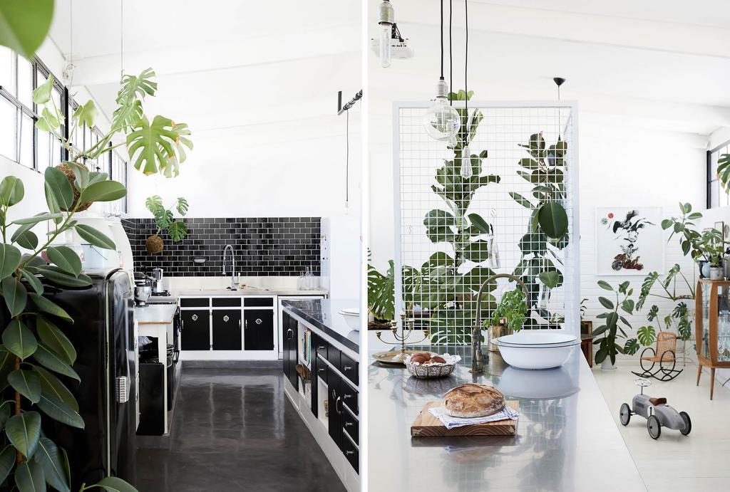 vtwonen binnenkijken in Kaapstad in een zwart-wit keuken