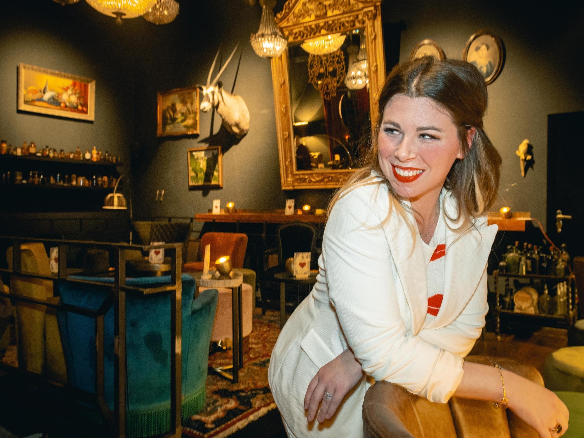 The Pharmacy Antwerpen, cocktailbar met Hannah