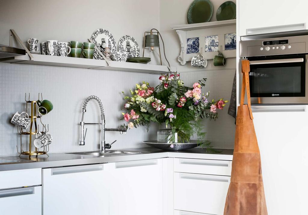 witte keuken wandplank servies