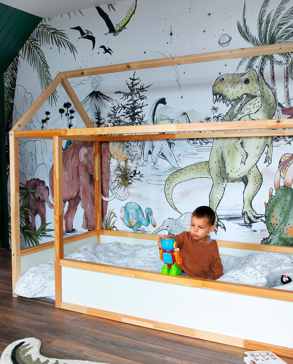 vtwonen 08-2020 | binnenkijken Hillegom jongens kinderkamer met dino-behang