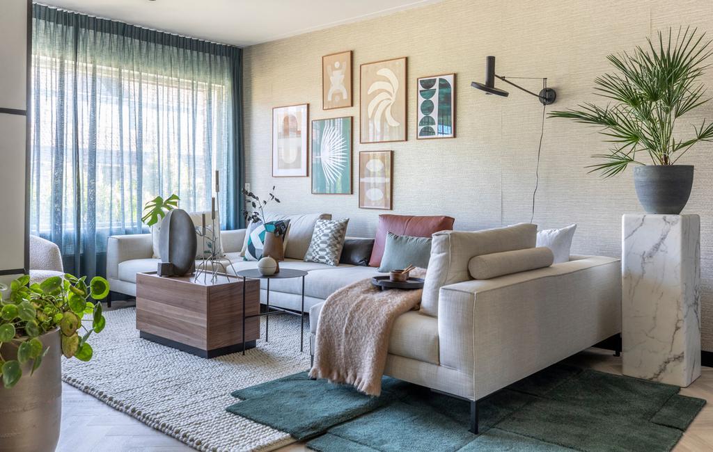 vtwonen weer verliefd op je huis in Winkel - styling Liza Wassenaar | Textiel in lagen aanbrengen