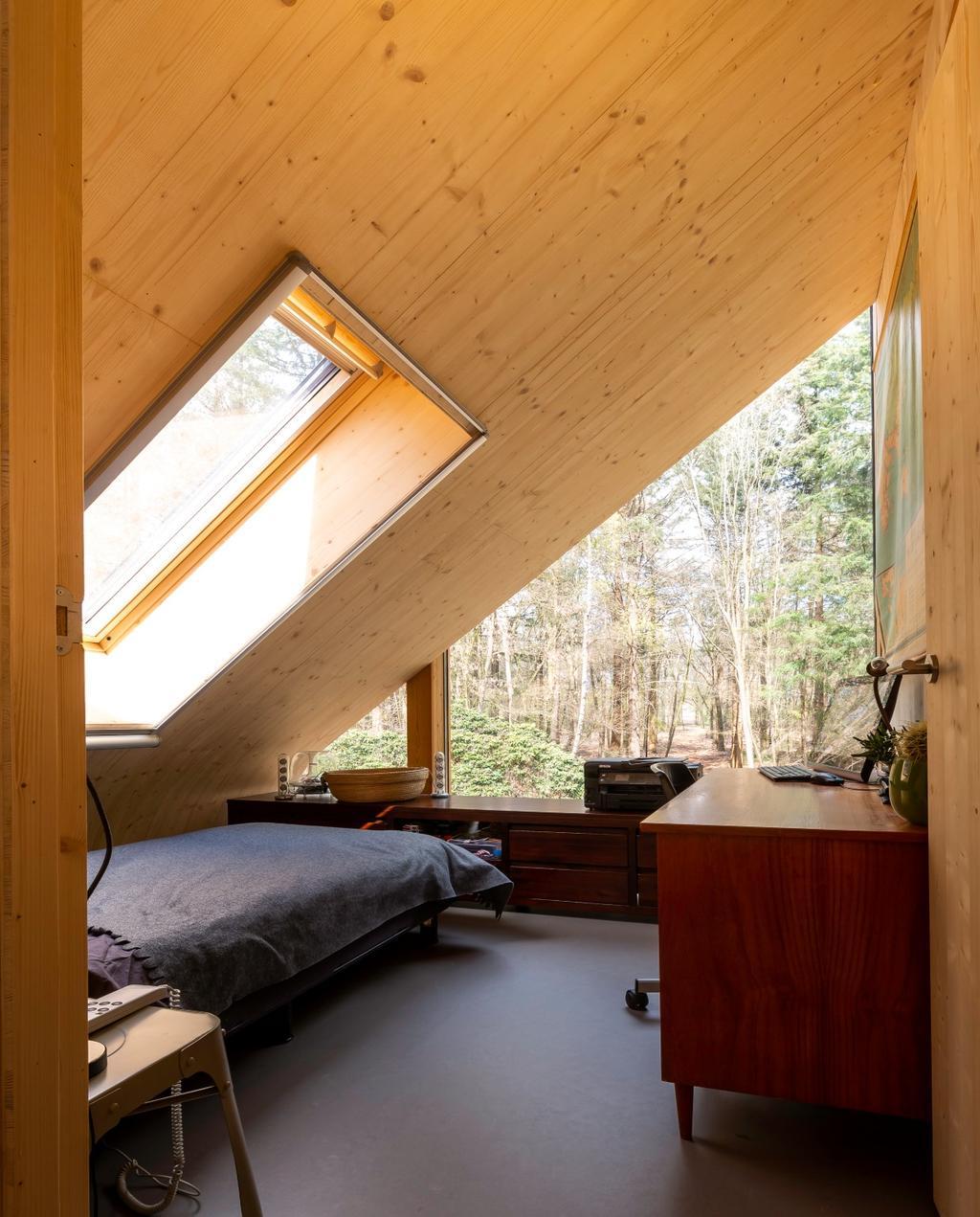 vtwonen 08-2020 | binnenkijken Barchem slaapkamer met schuin dak